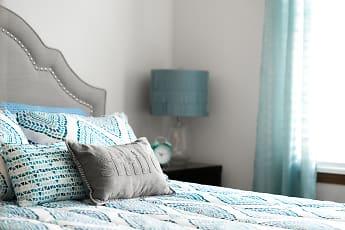 Bedroom, Manchester Oaks Apartments, 2