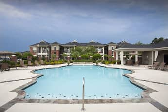 Country Club Pointe, 1
