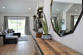 Living Room, Heron Bay Rental Homes, 1