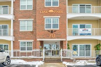 Building, Oak Street Park Apartments, 1