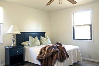 Bedroom, Pinetree Gardens, 0