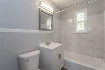Bathroom, Ridgeside Flats, 1