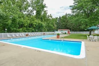 Pool, Whiteland West, 2