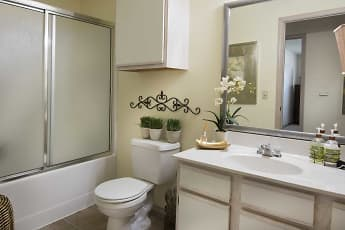 Bathroom, The Links at Columbia, 0