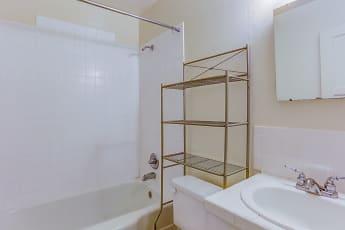 Bathroom, Colonial Park, 2