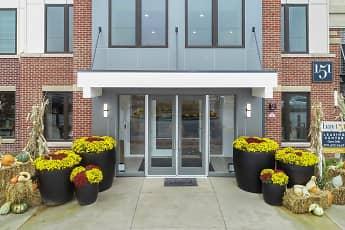Bay 151 Apartments, 1