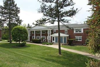 Building, Oakmont Park Apartments, 0