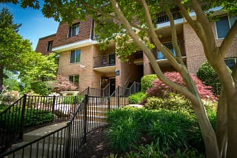 Oakton Park Apartments, 0