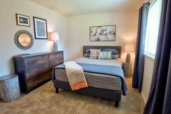 Bedroom, Sycamore Point, 0