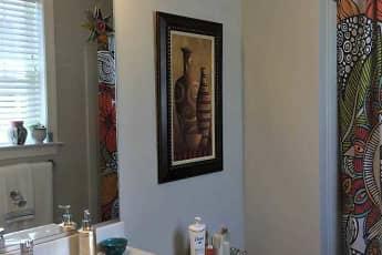 Bathroom, Hiatt Run Apartments, 2