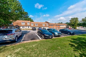 Building, Tanglewood Apartments, 0