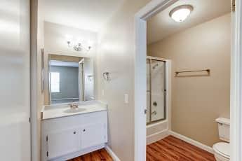 Bathroom, La Costa, 2