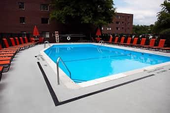Pool, Bryn Mawr, 0
