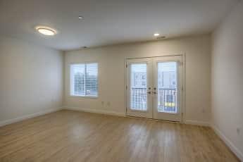 The Blackstone Apartments, 2