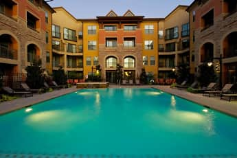 Pool, Rockwall Commons, 0