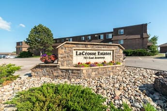 La Crosse Estates, 0