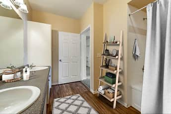 Bathroom, The Estates at Tanglewood Apartments, 2