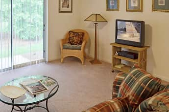 Living Room, The Retreat at Garden Lake, 1