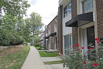 Building, SouthRidge Apartments & Townhomes, 2