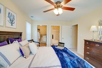 Runaway Bay Apartments, 2