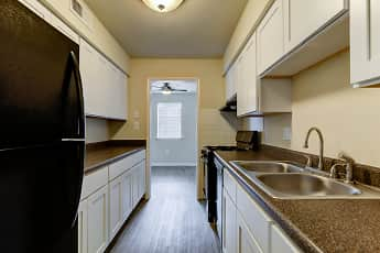 Kitchen, Bent Creek Apartments and Townhomes, 0