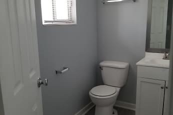 Bathroom, Villas At Cedar Creek, 1