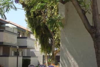 Building, Amberwood Villas, 2