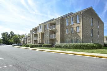 Building, The Apartments at Elmwood Terrace/Hunters Glen, 1
