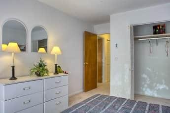 Bedroom, Presidential Estates, 2