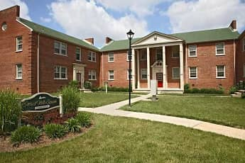 Building, Westhills Square Apartments, 1
