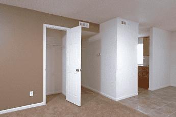 Quail Ridge Townhomes & Apartments, 1