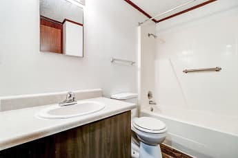 Bathroom, Camellia Court, 2