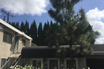 Building, Pinecrest Apartments, 1