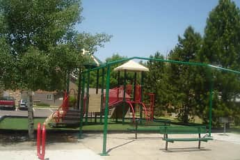 Playground, Residences at First Avenue, 2