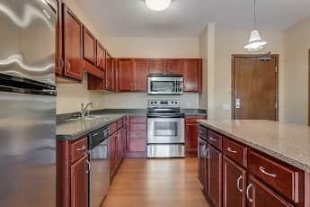 Kitchen, Oaks Glen Lake Apartments, 0