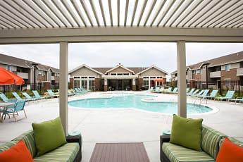 SunSTONE Apartment Homes at Fox Ridge, 1