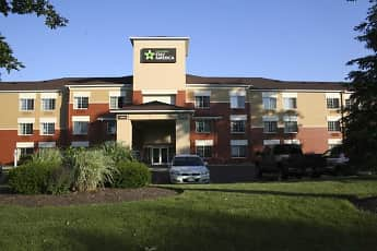 Building, Furnished Studio - Cleveland - Airport - North Olmsted, 0