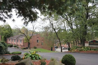 Oak Manor, 2