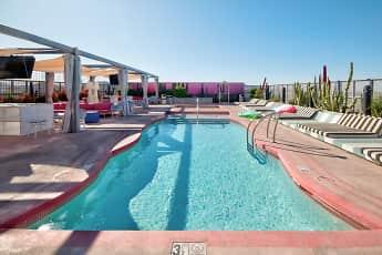Pool, Urbane, 0