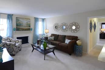 Living Room, The Reserve at Mt. Moriah, 1