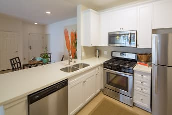 Kitchen, Las Flores Apartment Homes, 0