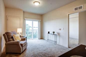 Living Room, Oakridge Crossing - Senior Living 62+, 1