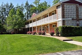 Greenwood Farms Apartments, 2