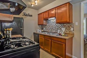 Autumn Ridge Apartments, 1