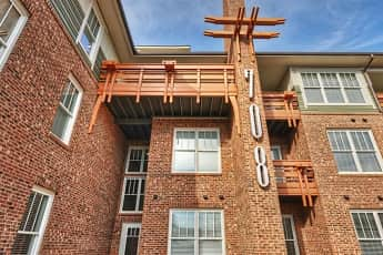 708 South Summit Apartments, 0