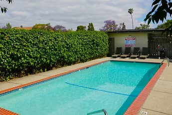Pool, Olivewood, 2