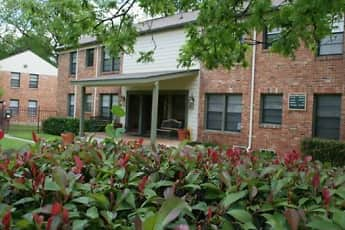 Building, Parks at Wynnewood Apartments, 2