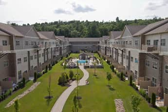 Courtyard, Park Place at Wilton, 0