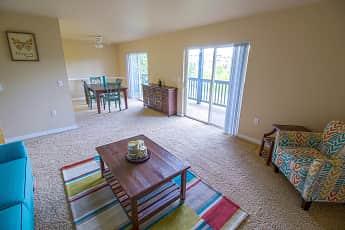 Living Room, Greenbrier At Tanasbourne, 0