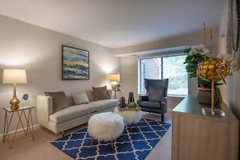 Living Room, The Elms at Old Mill, 0